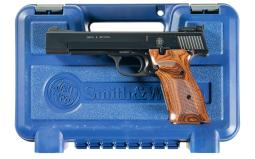 Smith & Wesson Model 41 Semi-Automatic Target Pistol with Case